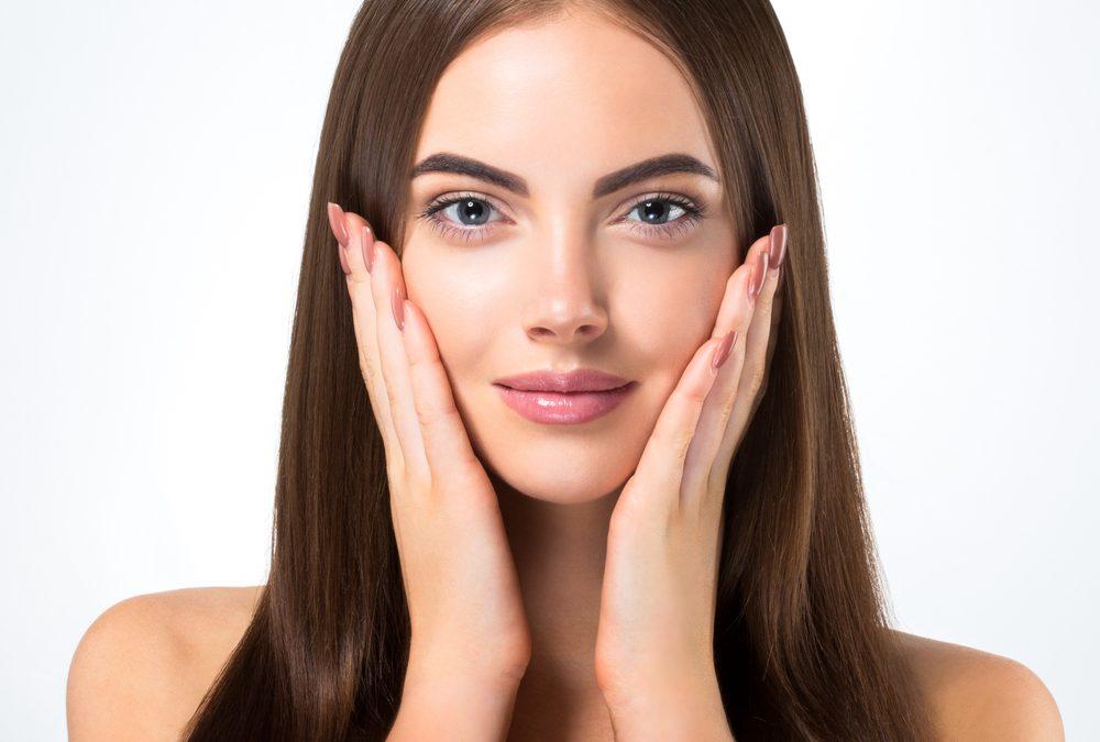 Como combater a flacidez do rosto e pescoço
